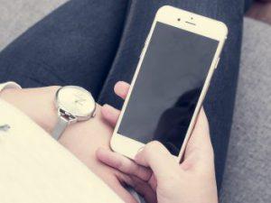 Smartphone mit dem TV verbinden ganz ohne Kabel: So geht's