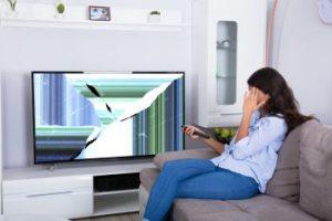 TV-Totalschaden: 5 Dinge, die Ihren Fernseher zerstören können