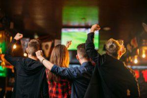 Warum Sportbars ein idealer Ort sind, um Fußball zu schauen.