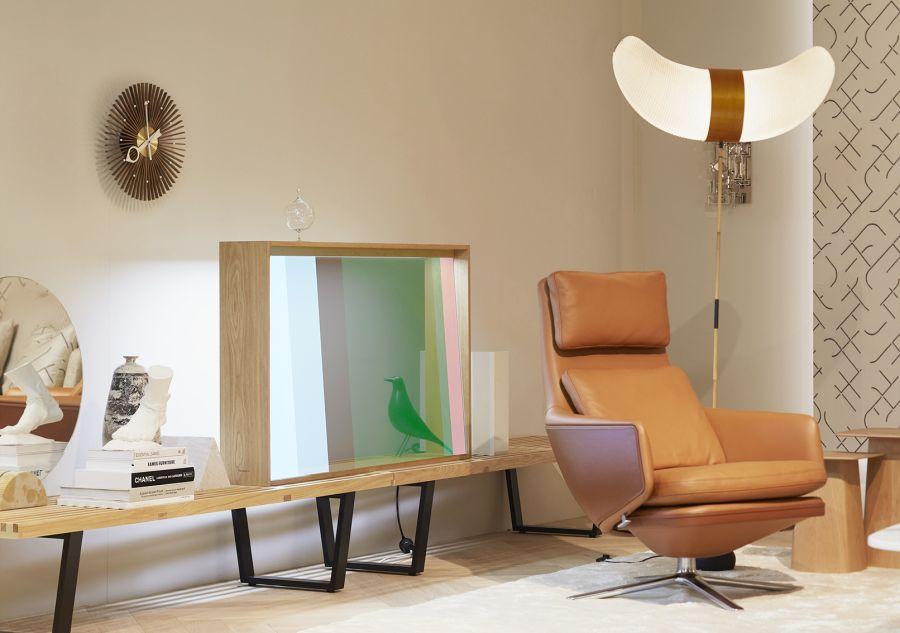 Panasonic-Innovationen fürs Fernsehen der Zukunft: transparenter OLED-Bildschirm und Mega-Kontrast
