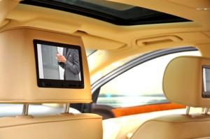 lcd tv und mini dvd player im auto nachr sten eine. Black Bedroom Furniture Sets. Home Design Ideas